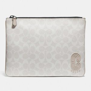 COACH -  LARGE POUCH IN SIGNATURE CANVAS